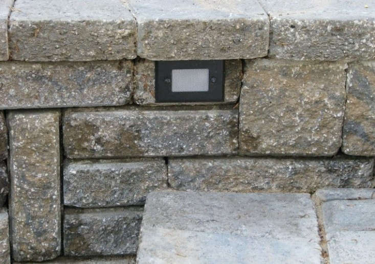 Hardscaping 101: Outdoor Wall Lights: Gardenista