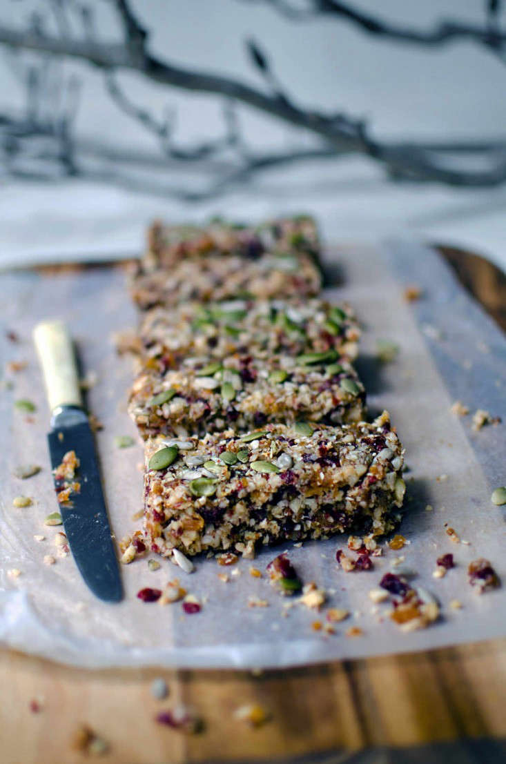 recipe quinoa nut bars via he needs food 2 ; Gardenista