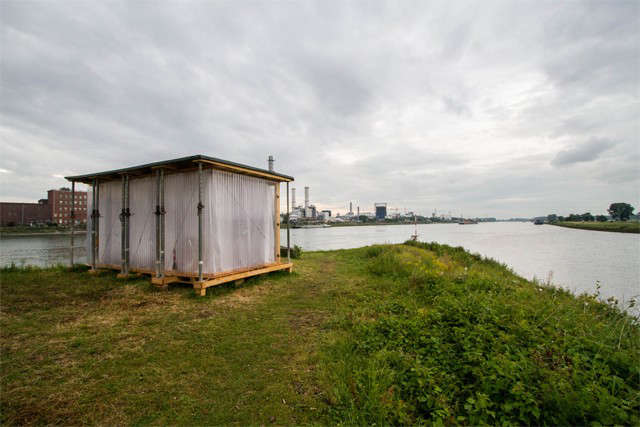 recycled-cabin-raumlabor-shabby-shabby-germany-river-bank-gardenista