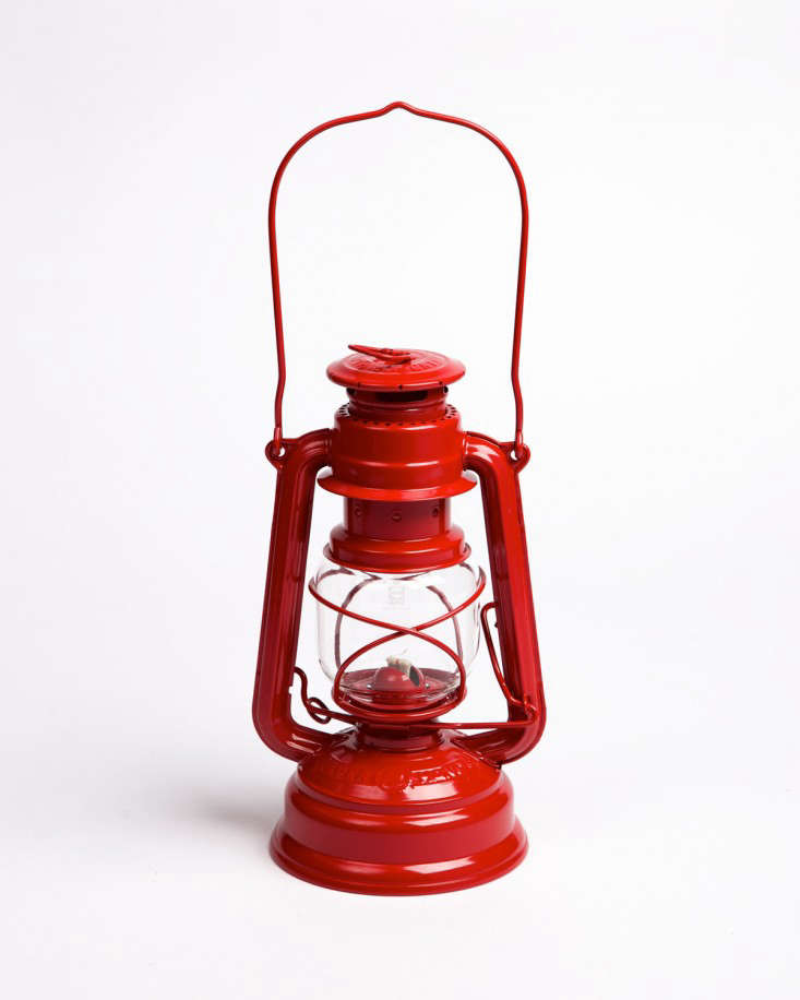 red-feuerhand-lantern-gardenista