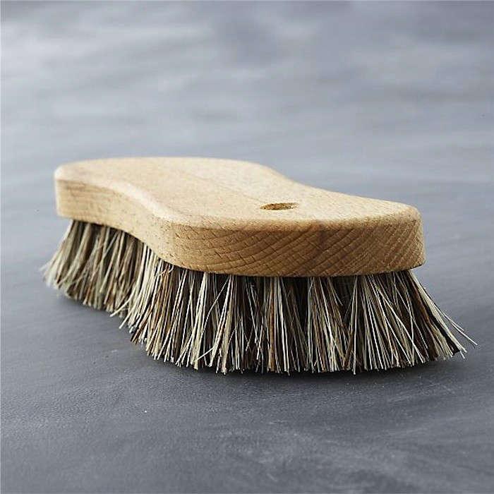 redecker-scrub-brush-gardenista