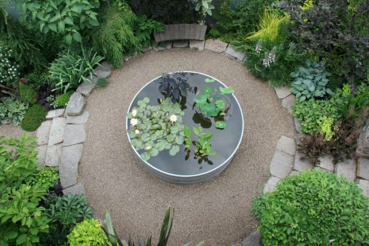 Rehab diary a garden makeover for a ranch style house in for Garden pond gravel