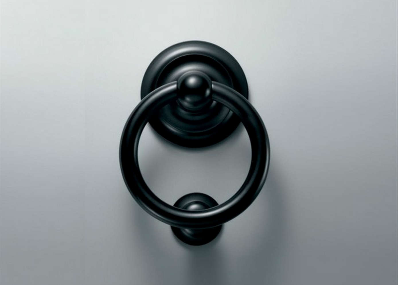 10 Easy Pieces Black Door Knockers Gardenista