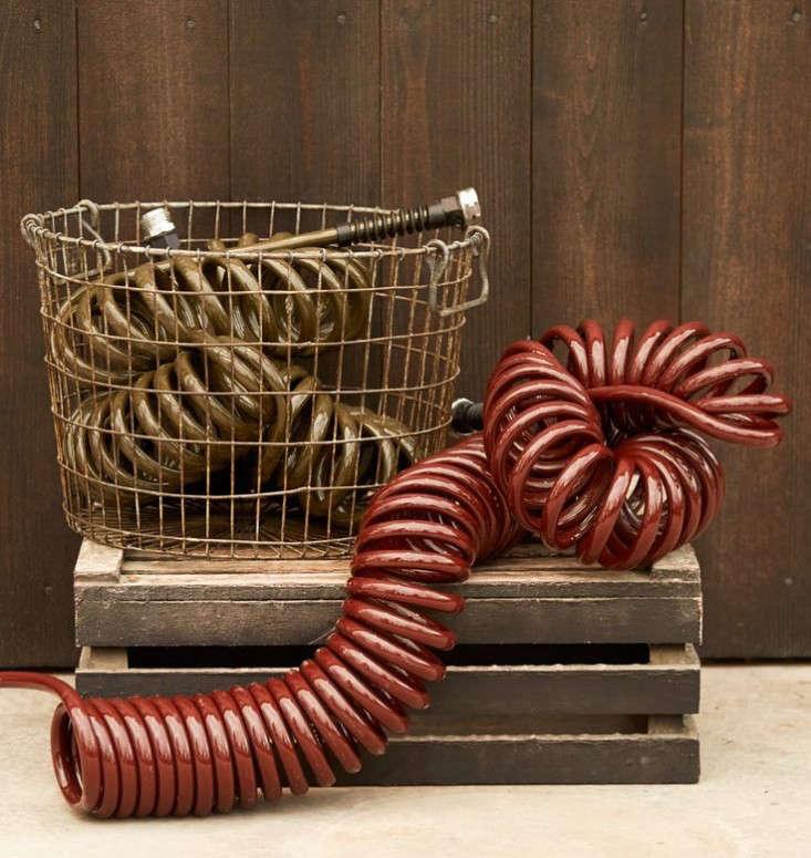 retractable-coiled-garden-hoses-gardenista