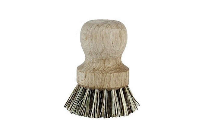 round wood handle vegetable brush l Gardenista_0