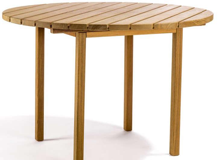round-teak-outdoor-dining-table-gardenista