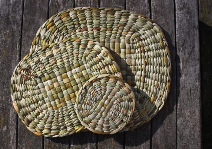 rush-braided-table-mats-gardenista