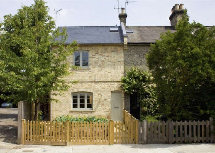 sam-tisdall-dorset-road-facade-gardenista-1