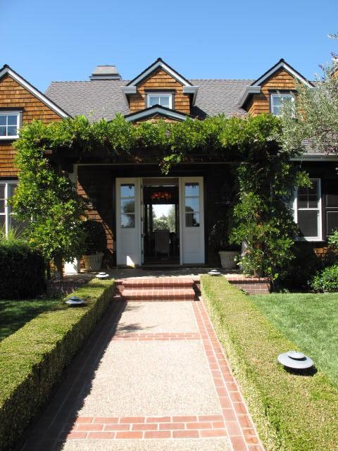 scott-lewis-vineyard-retreat-grasses-northern-california-18-BEFORE-gardenista