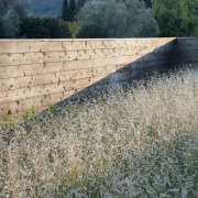 scott-lewis-vineyard-retreat-grasses-northern-california-5-gardenista