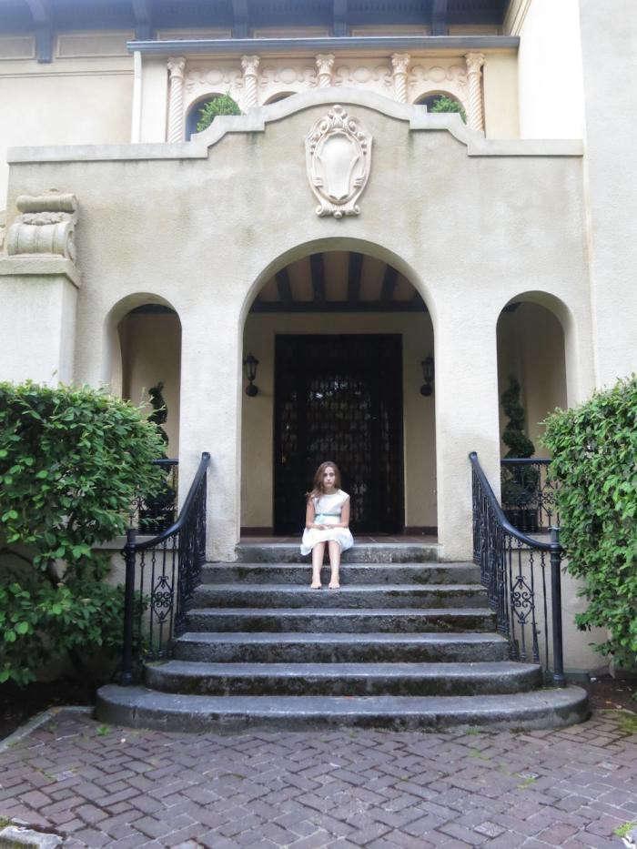 seattle-grand-facade-garden-entryway-gardenista