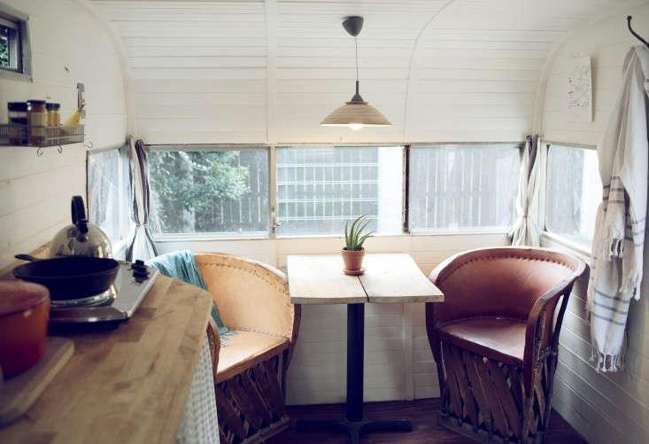 shasta-camper-designtripper-laura-dart-gardenista-dining-nook