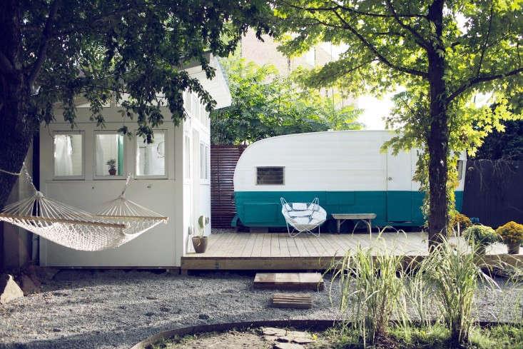 shasta-camper-designtripper-laura-dart-gardenista-outdoor-area
