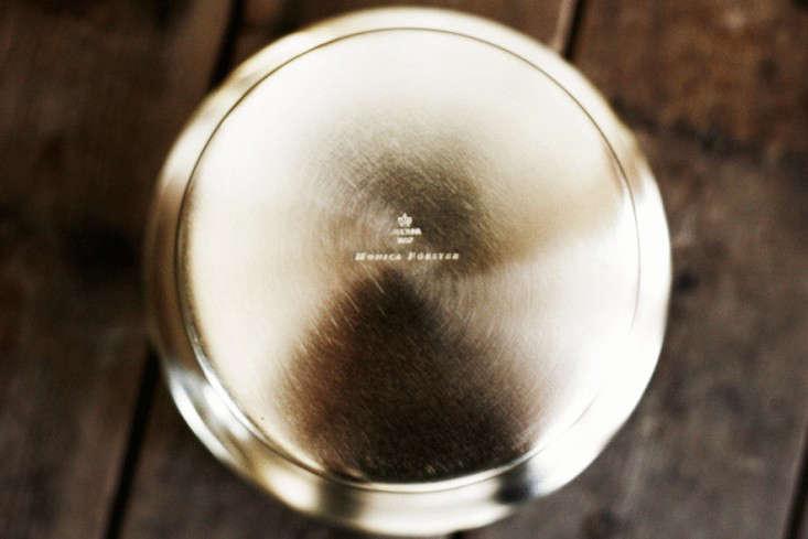 skultuna-flower-pot-brass-gardenista-2
