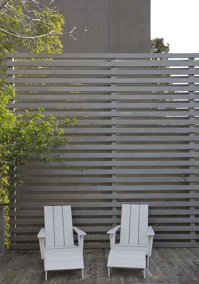 Fence fashion ways to add curb appeal with horizontal