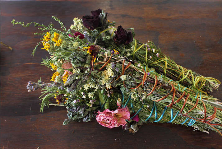 smudgesticks-botanicals-folklorica