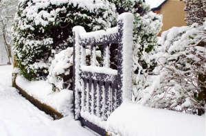 Snow and garden gate latch ; gardenista
