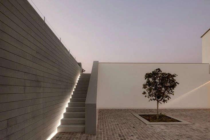 hardscaping 101 stairway lighting gardenista