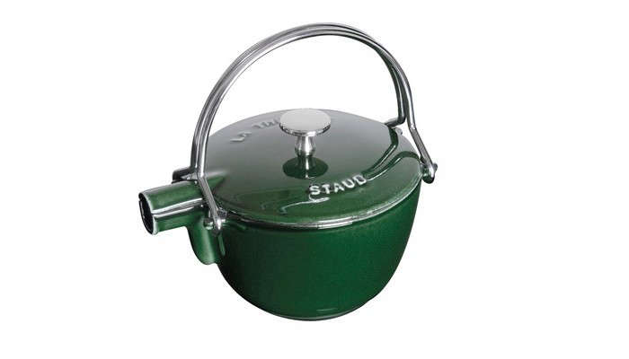 staub-green-tea-kettle-enameled-iron-gardenista
