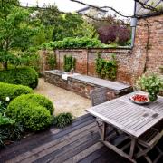 steal-this-look-antwerp-walled-garden-archi-verde-gardenista