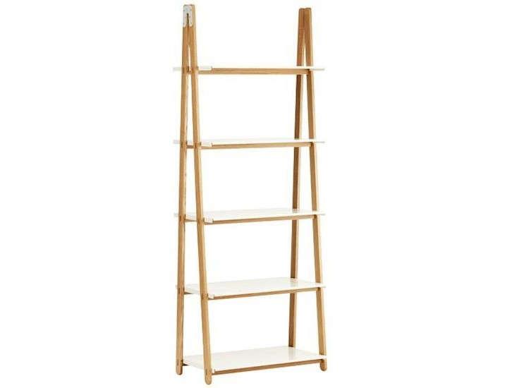 10 easy pieces stepladder plant stands gardenista for Ikea garden shelf