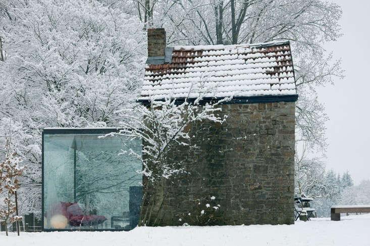 stone-outbuilding-belgium-aabe-gardenista