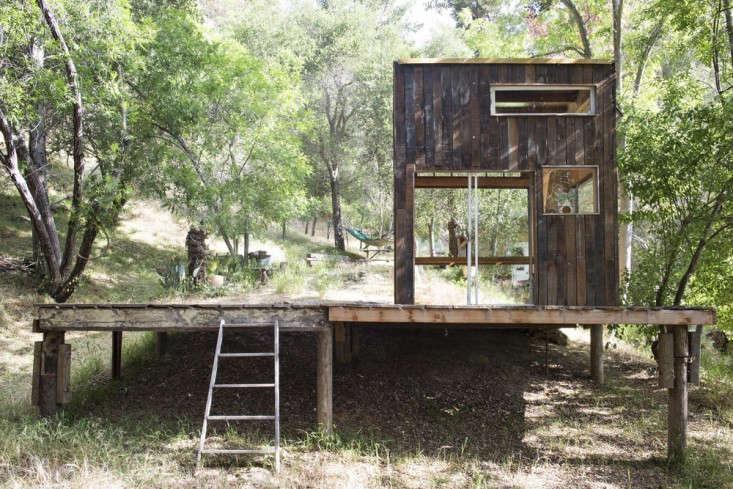 surf-shack-topanga-canyon-la-california-gardenista