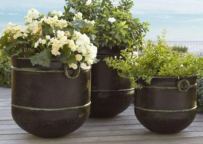 talmont-planter-bronze-gardenista