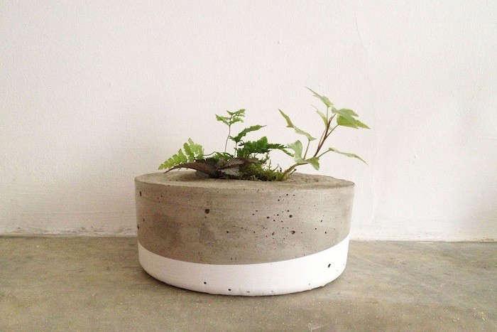 tasi-masi-dipped-concrete-planter-gardenista