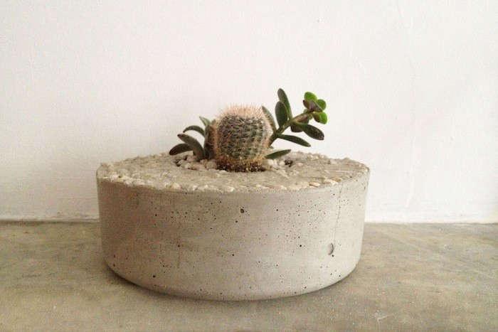 tasi-masi-plain-concrete-planter-gardenista