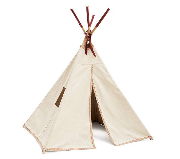 teepee-tent-with-red-trim-gardenista