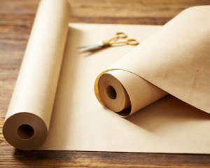 thanksgiving tabletop brown paper roll runner l Gardenista