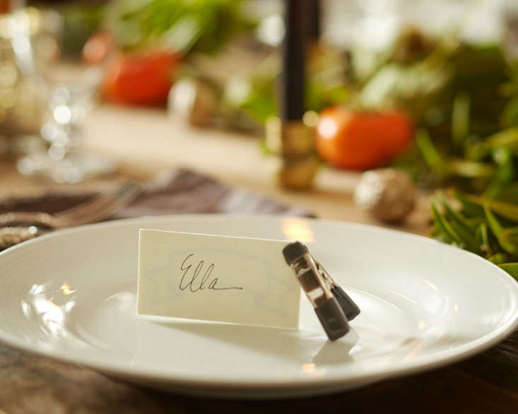 thanksgiving tabletop tiny clamp placecard holder l Gardenista