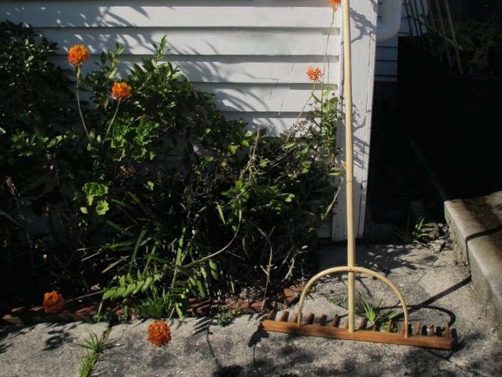 timber-rake-garden-objects-gardenista-1