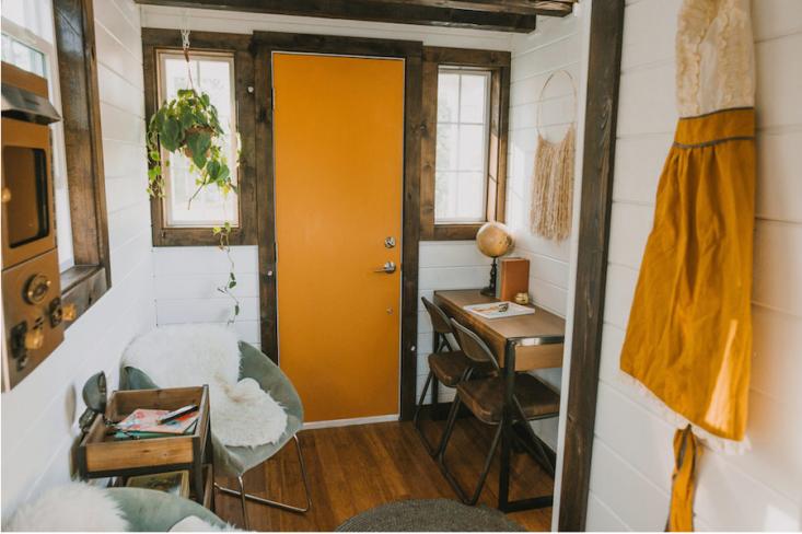 tiny-house-on-wheels-interior-gardenista