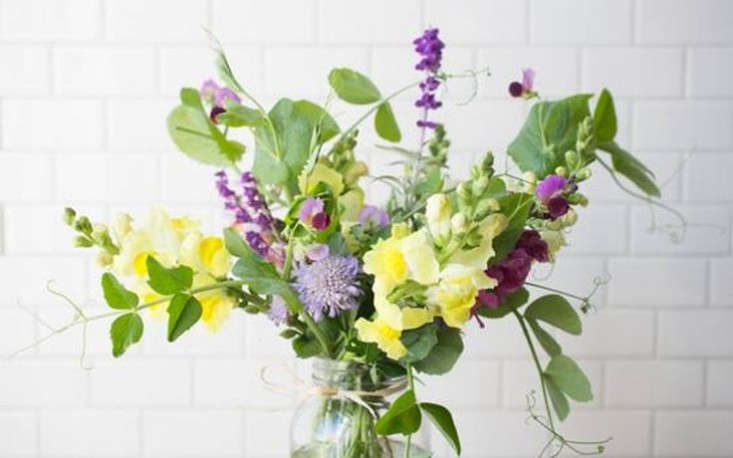 valentine's-flowers-bouquet-order-online-gardenista
