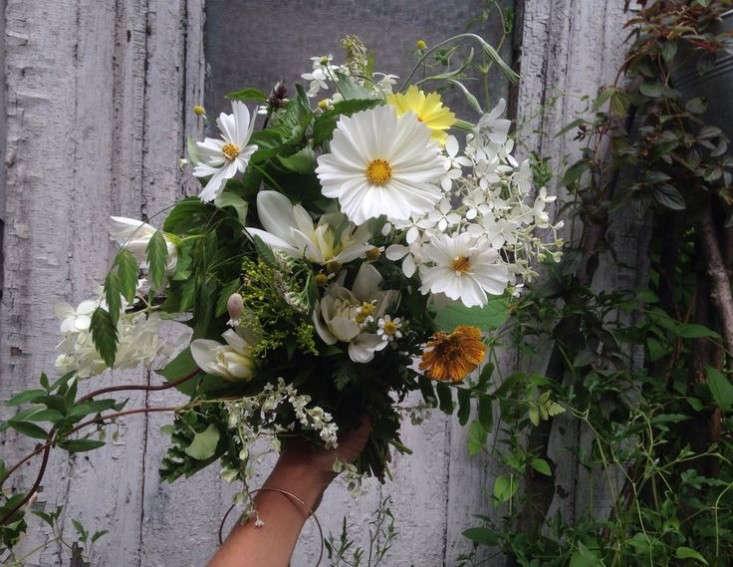 valentines-flowers-seasonal-bouquets-gardenista