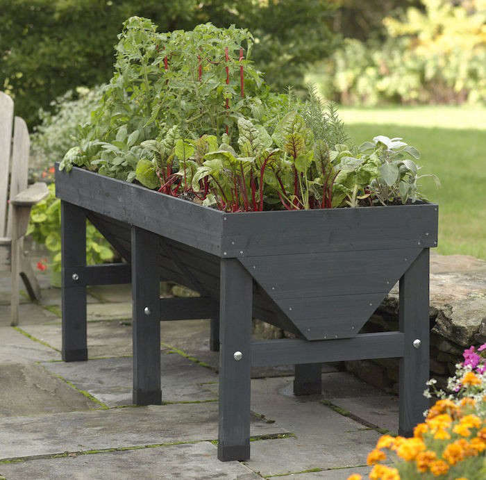 10 Easy Pieces: Wooden Elevated Planters - Gardenista