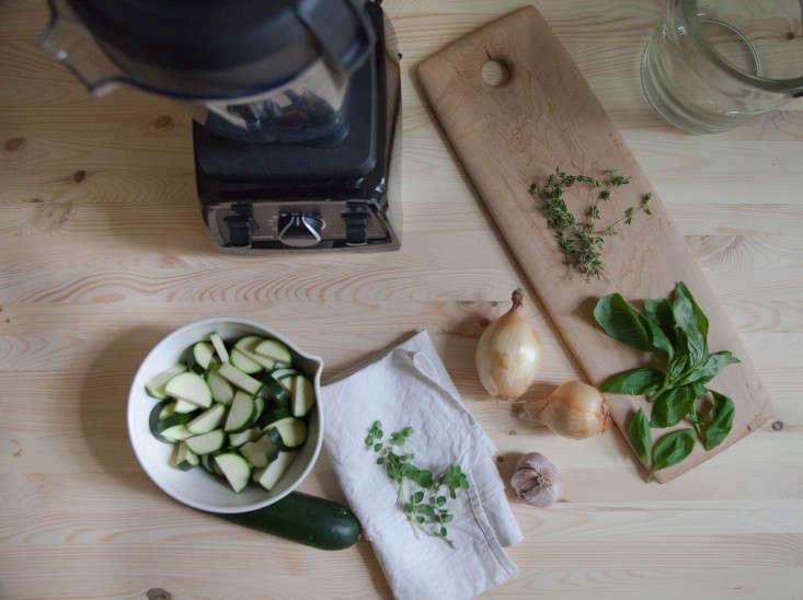 vitamix-chilled-garden-soup-gardenista-2