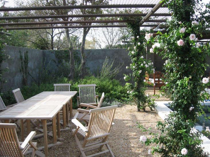walls-shade-structure-christine-ten-eyck-gardenista