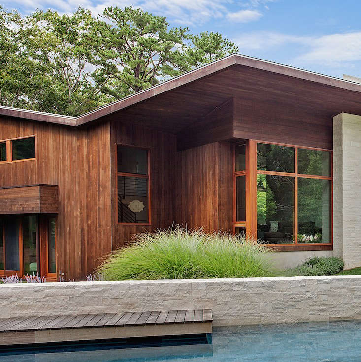water-mill-poolhouse-dock-khanna-schultz-gardenista