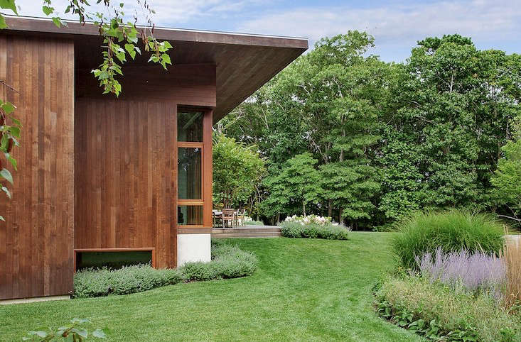 water-mill-poolhouse-lawn-gardenista