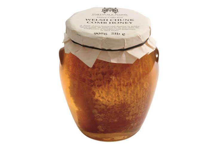 welsh-chunk-comb-honey-gardenista