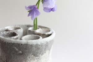 white-ceramic-vase-cecile-deladier-gardenista.