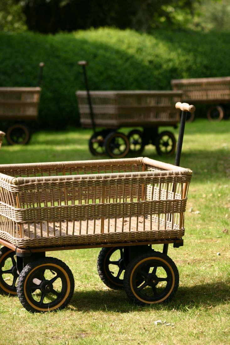 10 Easy Pieces Garden Carts And Wagons Gardenista