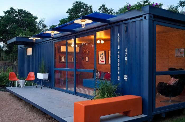 Above: A guest house/garden retreat/playhouse made from a repurposed steel  shipping container by Jim Poteet of Poteet Architects in San Antonio, Texas.