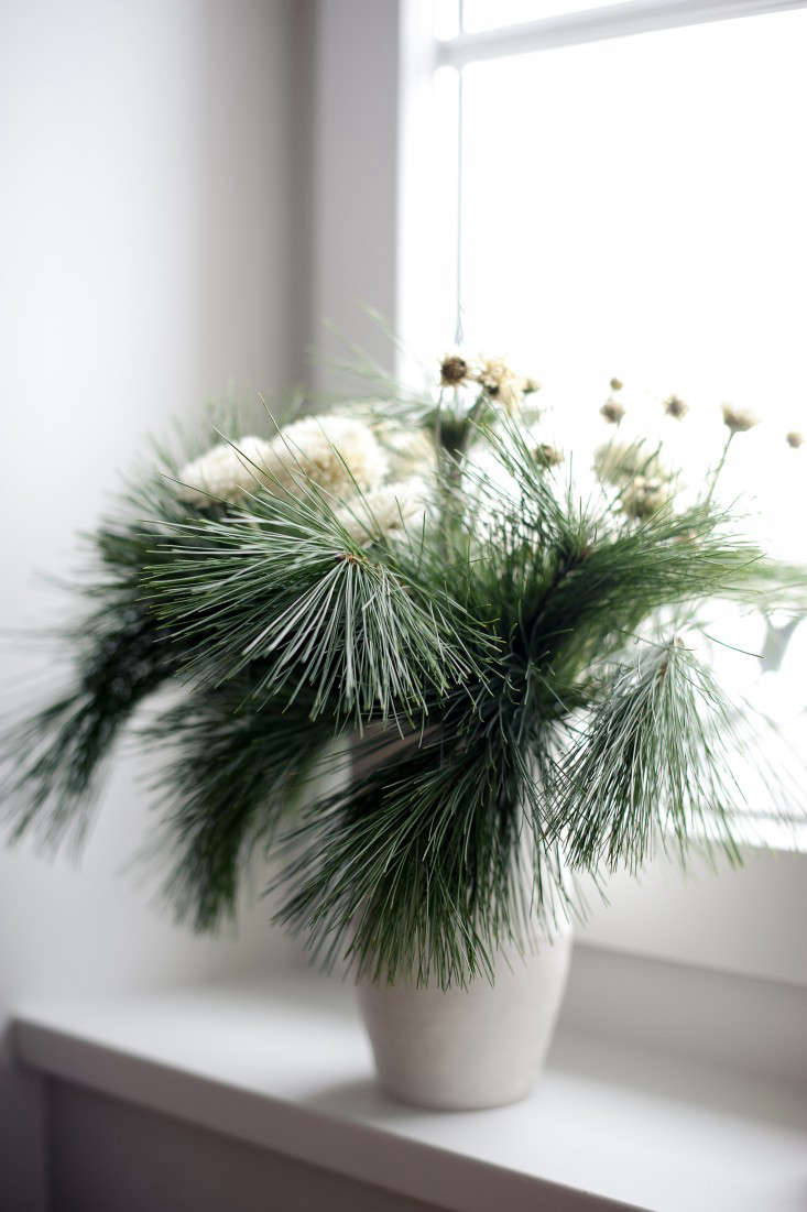 The European Holiday 14 Ways to Decorate the House from France Sweden and More portrait 3