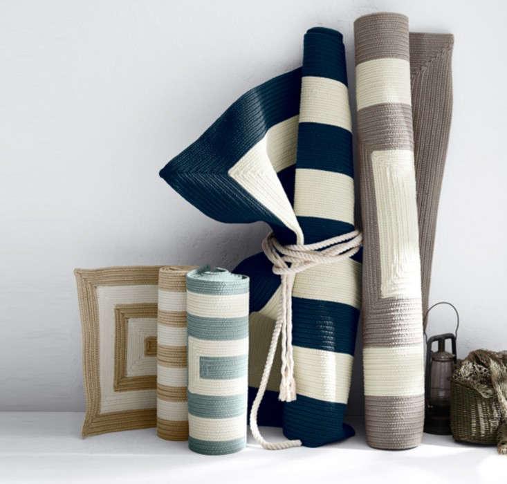 concentric-cabana-stripes-indoor-outdoor-rug-garnet-hill-gardenista