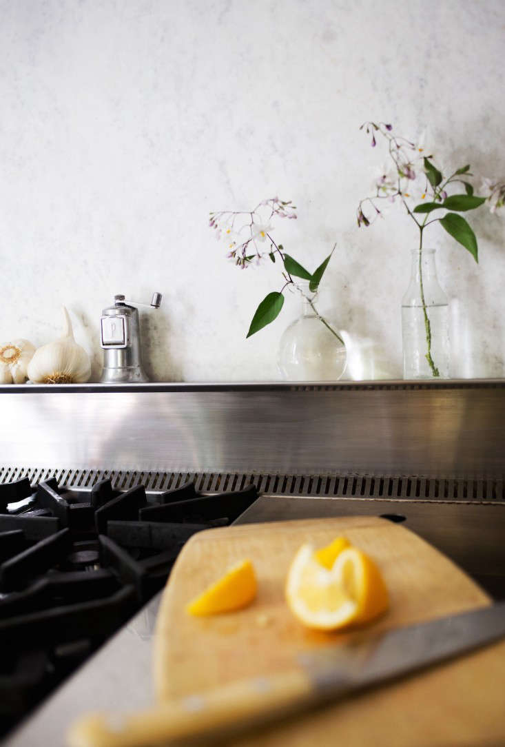 my dirty secret or how i learned to live with a marble backsplash michelle stove top stainless steel 4 remodelista