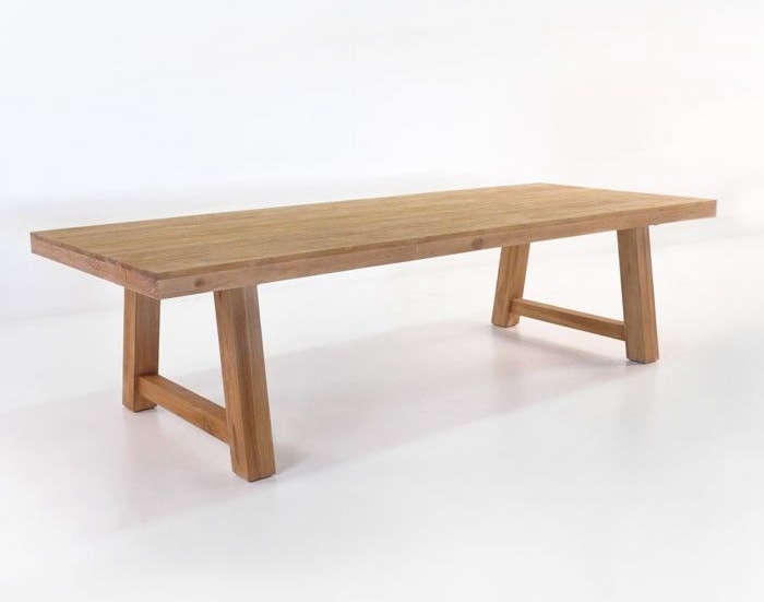 teak-picnic-style-outdoor-dining%20table-gardenista